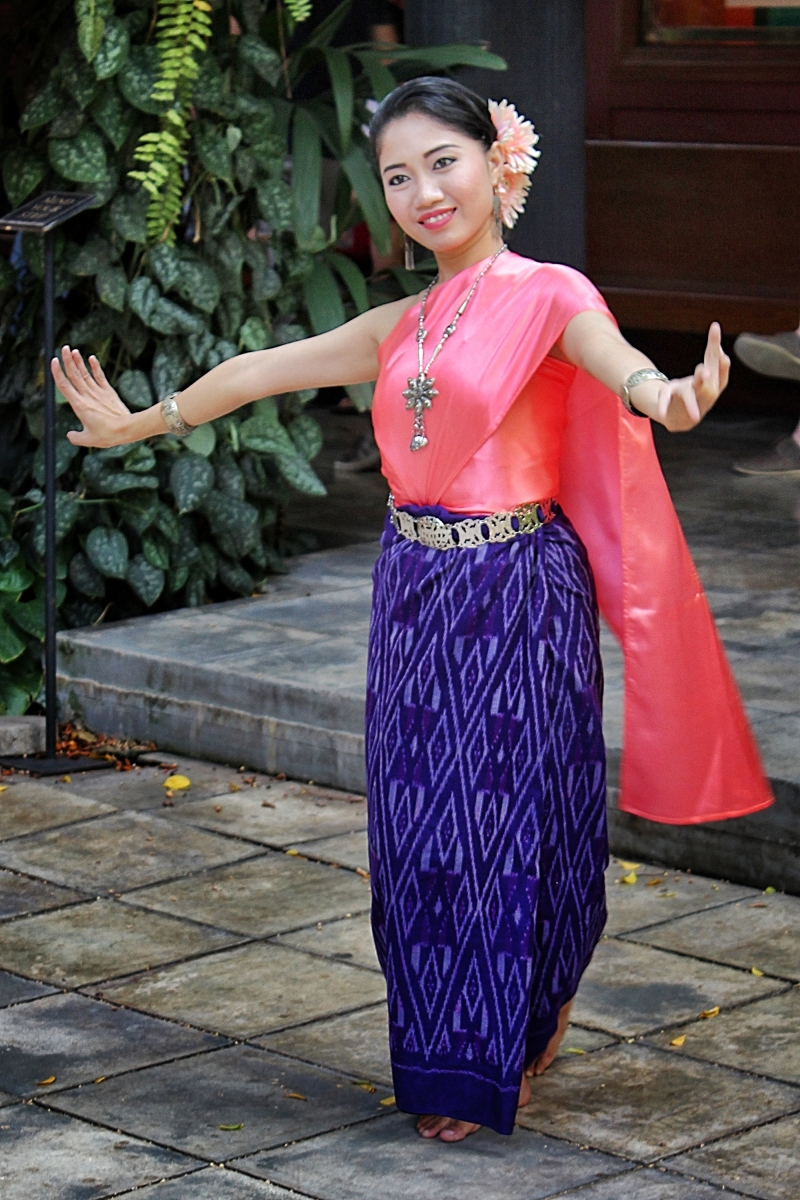 Thai-nee Dancer